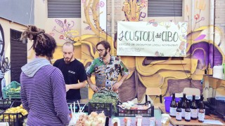 foto striscione mercato